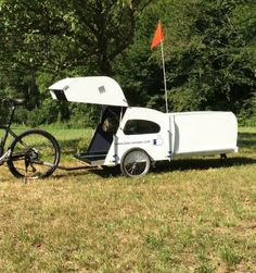 Living in a shoebox     Bikecamper with extendable rear pod
