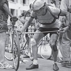 Maurice Blomme, just before the start of the stage 9 of the Tour de France 1950.