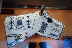 Beaded horse mask, Oglala Lakota (Sioux) ca 1900 Native American Horses, Native American Regalia, Native American Artwork, Native American Crafts, Native American Artifacts, Native American Beadwork, Oglala Sioux, Horse Mask, Indian Horses