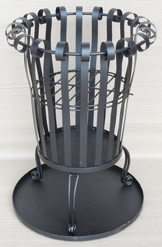 BLACK METAL GARDEN BRAZIER/INCINERATOR WITH ASH COLLECTION TRAY
