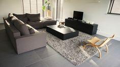 Irma van Toledo is under construction Living Room Inspiration, Decor Interior Design, Couch, Flooring, Groot, Furniture, House Ideas, Decoration, Home Decor