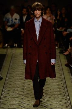 Burberry Fall 2016 Ready-to-Wear Fashion Show e6afa51145c0d