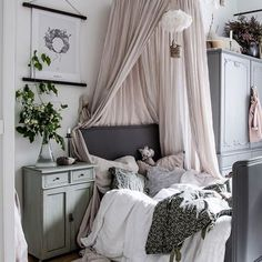 kleinkind zimmer Winter is underway which means darker and colder days and more snugging up on the sofa with a good book. Girls Bedroom, Bedroom Decor, Newborn Room, Scandinavian Kids Rooms, Swedish Interiors, Deco Kids, Deco Design, Home And Deco, Little Girl Rooms