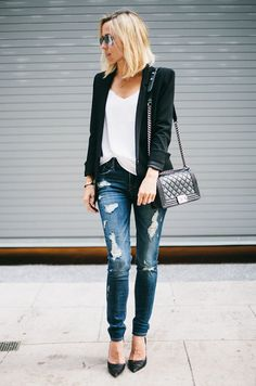 Stylish Combo: Blazer + Jeans                                                                                                                                                                                 Mais