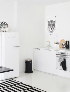 I want a smeg fridge that trash can and this entire kitchen sooo bad. can we get a smeg fridge ! Modern Kitchen Design, Interior Design Kitchen, Minimal Kitchen, Interior Modern, Monochrome Interior, Nordic Interior, Home Interior, Kitchen Designs, Kitchen Styling