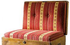 Christian Menardi Creations : Poltrona cassapanca   DolomitiHeart.it Vecchia cassapanca reinterpretata a confortevole poltrona.  Imbottitura foderata con tessuto di pregio.  Vano interno accessibile. Dimensioni: H80 x 80 x 50 #travel, #vintage #leather #leder #luggage  #MadeInItaly #Cortina #Dolomites #Wood