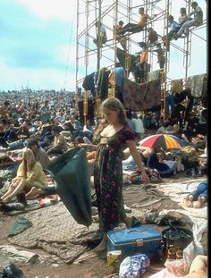 Remarkable colour photos of Woodstock 1969 » Lost At E Minor: For creative people