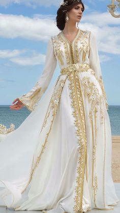 Moroccan Haute Couture Caftan 2018 - Spring Catalog - Moroccan Luxury Caftan Boutique Ca. Kaftan Moroccan, Morrocan Dress, Moroccan Bride, Moroccan Wedding, Abaya Fashion, Muslim Fashion, Fashion Dresses, Couture Dresses, Arabic Dress