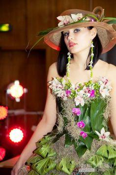 Contest 'Floral dress' in Samara (Russia), 02.04.2011 | FLOWERCAST.COM | All about flower design, floristics.