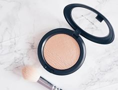 Happy Friday  I'm currently dying in bed with my second cold in the space of a month but a new post went up yesterday on this @maccosmeticsuk highlighter in the shade Oh Darling. Deliciously-floral.co.uk