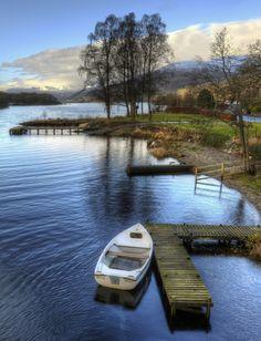 Boat-loch-earn