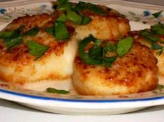 Sauteed Scallops with Garlic – Kalyn's Kitchen Seafood Dishes, Fish And Seafood, Seafood Recipes, Cooking Recipes, Healthy Recipes, Crawfish Recipes, Skillet Recipes, World's Best Food, Good Food