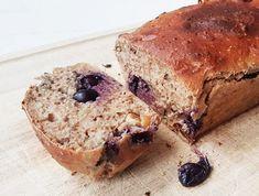 Ik heb een nieuw healthy baksel voor je: een kwarkbrood! Dit brood zit vol met eiwitten maar is laag in koolhydraten en vetten. Ideaal voor als je even op moet letten maar je toch lekker wilt snacken.