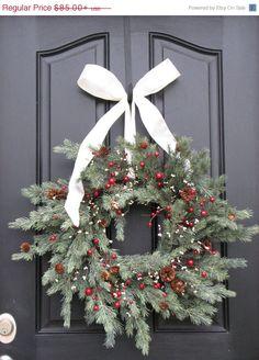 CYBER MONDAY SALE Holiday Wreath  Christmas Pine di twoinspireyou