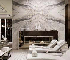 New Wall Decor Living Room Traditional Fireplaces 21 Ideas Home Fireplace, Fireplace Design, Fireplace Feature Wall, Living Room Designs, Living Room Decor, High Ceiling Living Room, Wall Design, House Design, Marble Fireplaces
