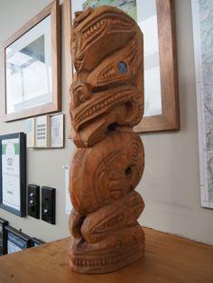Maori carving by Albert Tamati Nz History, Lion Sculpture, Carving, Statue, Maori, Wood Carvings, Sculptures, Printmaking, Sculpture