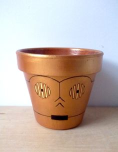 C3PO Star Wars Droid Painted Flower Pot por GingerPots en Etsy, $24,00