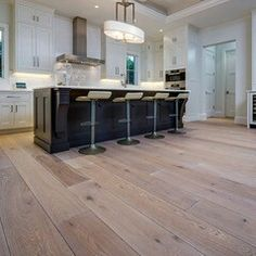 Top 4 Vinyl Plank Flooring Ideas With Benefits And Drawbacks   Noon Prop 8
