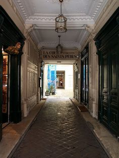 parisian courtyard.