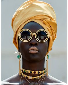 Headwrap. Sunnies. Gold. Melanin. YES! #wrapitup #itshaute