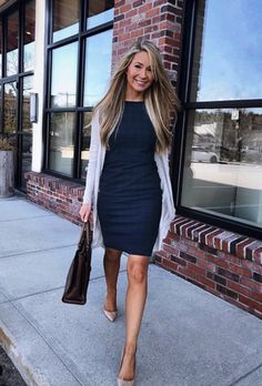 sophisticated work attire and office outfits for women to look stylish and chic 50 « The Best Fashion Business Casual Outfits For Work, Casual Work Attire, Office Attire, Office Outfits Women Casual, Business Outfits Women, Buisness Casual Dress, Women Business Casual, Office Dresses For Women, Outfit Office