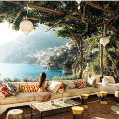 Storybook-Einstellungen in der Villa Tre Ville in Positano, Italien mit freundli… Storybook settings at Villa Tre Ville in Positano, Italy courtesy of Nicole Isaa … Dream Vacations, Vacation Spots, Italy Vacation, Italy Honeymoon, Positano Italien, The Places Youll Go, Places To Go, Beautiful World, Beautiful Places