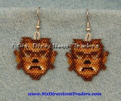 Werewolf - Wolfman Halloween Spirit br Lon Chaney Monster br One pair Beaded Picture Earring Done in fine Delica Seed Beads br br I use an Acrylic type coating to Halloween Schmuck, Halloween Beads, Adornos Halloween, Seed Bead Earrings, Beaded Earrings, Beaded Jewelry, Seed Beads, Bead Crafts, Jewelry Crafts