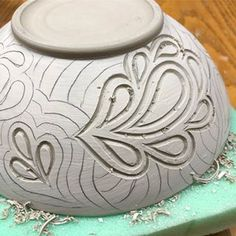 After a three+ month hiatus from pottery, I returned back to my studio today and picked up where I left off. Thanks to the miracle of wet boxes (moist plaster in plastic bins) I have several pots and bowls ready for carving. I never intended to take off that much time from pottery (and I missed it a lot!) but other things in life needed my attention more and before I knew it days turned into months. It felt so good to pick up my tool and feel clay again. #pottery #carvedpottery #paisley…