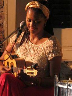 Bom Lazer - Seu fim de semana começa aqui: Nilze Carvalho canta clássicos do samba no Rio Sce...