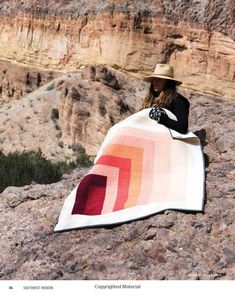 Southwest Modern: From Marfa to New Mexico: 18 Travel-Inspired Quilts Modern Quilting Designs, Modern Quilt Patterns, Mini Quilts, Baby Quilts, Textiles, Quilting Projects, Sewing Projects, Log Cabin Quilts, Quilt Blocks