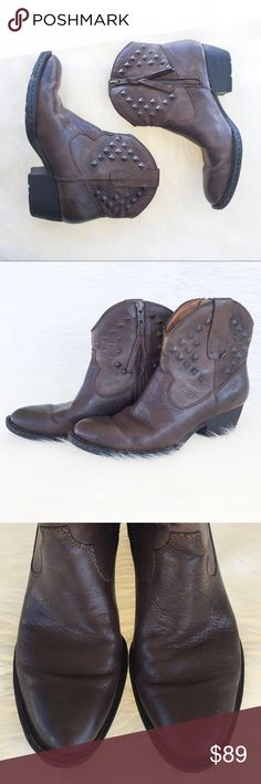 Born Leather Boots Born brown leather ankle boots. Size 7. Has light wear with a few scuffs. Largest one is shown on back of right boot. Has a few stains on the inside of the boot. These are a classic piece for your closet. Perfect with anything from jeans to dresses! GUC. ❌No trades ❌ Modeling ❌No PayPal or off Posh transactions ❤️ I 💕Bundles ❤️Reasonable Offers PLEASE ❤️ Bundle & SAVE❗️❗️ Born Shoes Ankle Boots & Booties