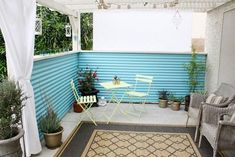 Beautiful Patio Designs That Enhance Your Life Experiences on a small space on your backyard.Spend your quality time with this outdoor patio ideas. Outdoor Spaces, Outdoor Living, Outdoor Decor, Outdoor Retreat, Outdoor Ideas, Corrugated Metal Fence, Sheet Metal Fence, Corrigated Metal, Aluminum Fence