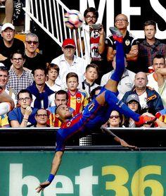 Valencia vs Barcelona 2-3 Neymar Jr, Neymar 2017, Camp Nou, Psg, Fc Barcelona, Football Soccer, Football Players, Valencia, New Year New Beginning