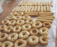 some of my childhood cookies: crunchy, just a few ingredients Romanian Desserts, Romanian Food, History Of Cookies, Sweets Recipes, Cooking Recipes, Torte Cake, Wafer Cookies, Pastry Cake, No Bake Treats
