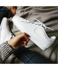 604f3e4e7a Nike Cortez Triple White Trainers Outlet UK Tenis Nike Blancos Mujer