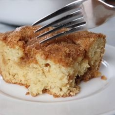 coffee videos Moist sour cream coffee cake made from an easy old fashioned recipe. This is the best recipe because of the buttery brown sugar crust and caramelized sugar bottom. Easy Cake Recipes, Dessert Recipes, Sour Cream Coffee Cake, Coffee Cream, Apple Sour Cream Cake, Sour Cream Desserts, Coffee Coffee, Coffee Beans, Morning Coffee