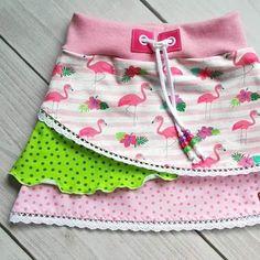 Noch ein #Lienchen für den Shop! Die passenden #Nähpakete findet ihr auch im Shop. #Flamingos  #pomundpino #nähen #sew #sewingforkids #mädchenrock #nähpaket