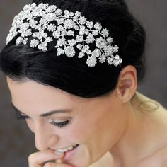 9 Beautiful Bridal Hairpieces (and How to Match Them With Your Wedding Look)