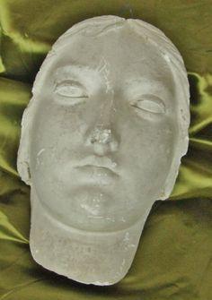 A022 - Superb Antique French Plaster Face, Moulage De L'Ecole Des Beaux Arts - La Belle Étoffe