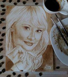 ...wenn Du nur die blauen Augen sehen könntest. Aber ich habe leider nur Kaffeebraun im Angebot...  ...if you could see her blue eyes at least.  But I only have coffee-brown on offer, unfortunately... ========================== Kaffeemalerei ☆ coffee painting ========================== Order, Auftrag, Auftragsarbeit blond, blond woman, blue eyes, Porträt, malen mit Kaffee, Kaffeemalerei, Kaffeepinsel, portrait, coffeebrush, drawing, drawings, coffeepainting, coffeepaintings, supportart