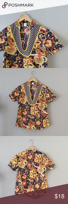 {Jcrew} Floral Print Vneck Tunic Jcrew vneck top in vibrant floral print. Wear with jean shorts and flip-flops on your next beach vacation. Gently loved in near new condition. Made with 100% cotton. Size XS but fits more like a small. jcrew Tops Tunics