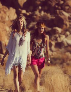 love this. So free. The long shirt on the left is so perfect