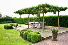 Fotografie: www.passiefoto.nl Garden Bed Layout, Outdoor Restaurant, Garden Landscape Design, Outdoor Landscaping, Raised Garden Beds, Garden Styles, Dream Garden, Garden Planning, Garden Projects