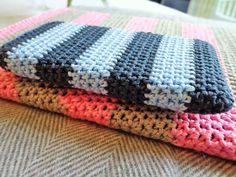 IPhone crochet cover
