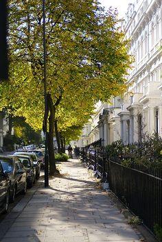 Ladbroke Gardens, Notting Hill Gate, London, (by DB*, via Flickr)