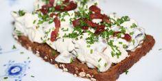 En hønsesalat med ekstra protein fra skyr, som smager fortrinligt på et stykke rugbrød eller som fyld i en sandwich.