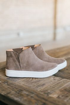1263ef6f2 Set Sneaker in Taupe Suede - cladandcloth