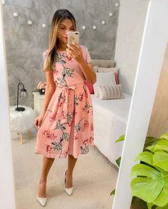 Jw Fashion, Modest Fashion, Womens Fashion, Sunday Outfits, Spring Outfits, Western Look, Dress Me Up, Short Sleeve Dresses, Feminine