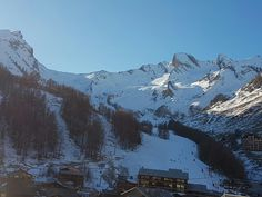 vue sur l'observatoire depuis Val d'Allos la Foux.  #valdallos #ski #neige #espacelumiere