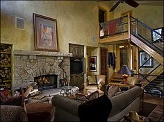 Great Room - Main Level,Vaulted Ceilings, Large Flat Screen TV,Stone Fireplace